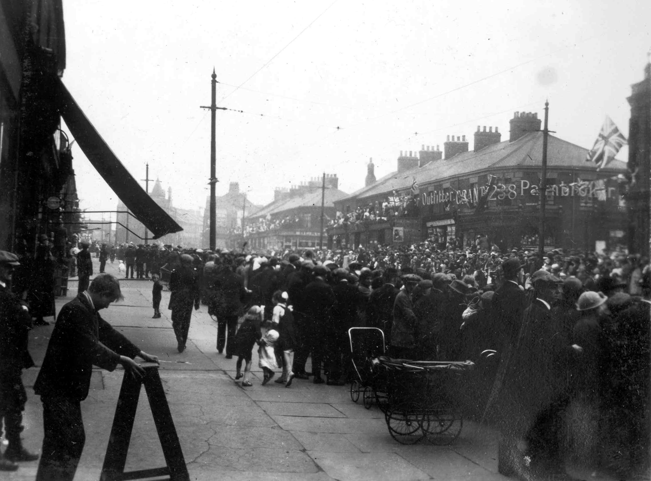 185 Celsius To Fahrenheit >> The Prince of Wales' visit 1923 | Heaton History Group
