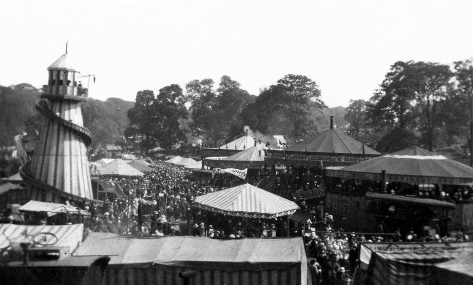 Hoppings at the Ouseburn by Edgar Couzens