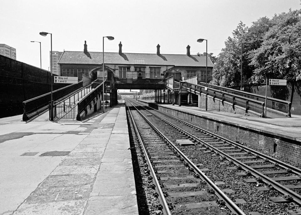 'New'Heaton Station