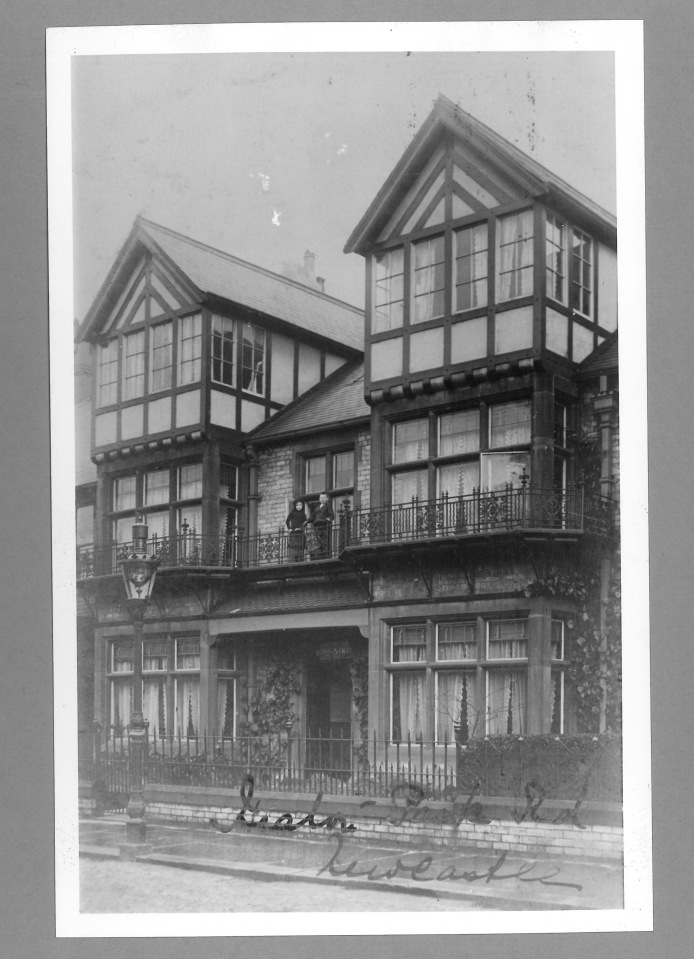 190 Heaton Park Road in about 1910