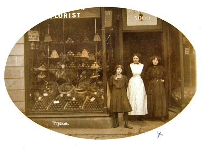 Outside 204 Heaton Road 1911