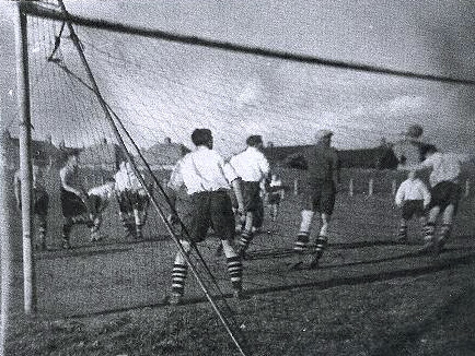 Action from a Heaton Stannington game in 1951