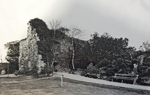 Photograph of King John's palace, 1929
