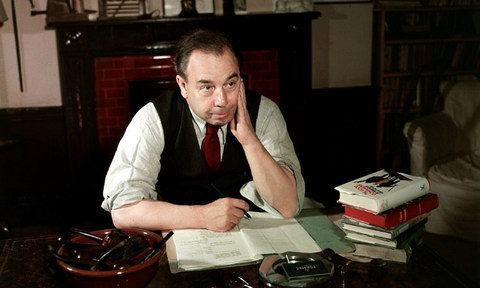 JB Priestley at his desk in 1947