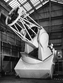 Grubb Parsons 98 inch Isaac Newton telescoperesized